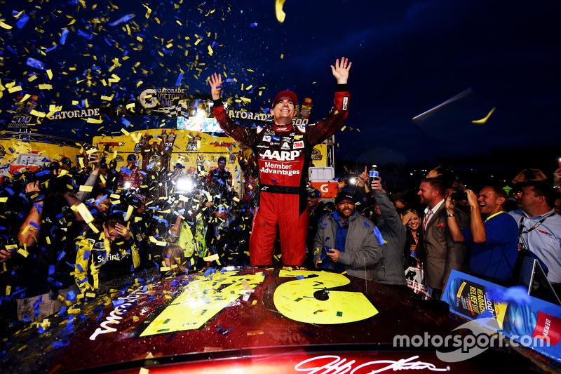 #3: Jeff Gordon gewinnt in Martinsville