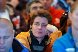 Ellen Lohr listens while Dakar organiser Etienne Lavigne brings the bad news about the Dakar 2008 ca