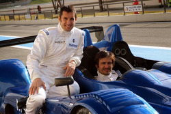 Stéphane Ortelli and Soheil Ayari pose with the Courage-ORECA LC70 Judd