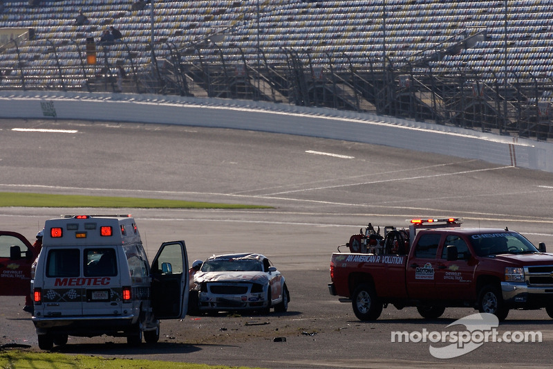 #114 GSM Motorsports Audi TT: Colin Cohen, Don Istook post-crash action