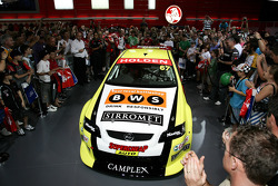 Russell Ingall, Paul Morris unvieling the 08 car