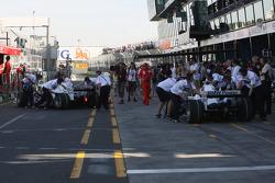 Nick Heidfeld, BMW Sauber F1 Team, F1.08 and Robert Kubica, BMW Sauber F1 Team, F1.08 pushed back