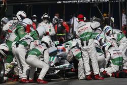 Pit stop for Rubens Barrichello, Honda Racing F1 Team