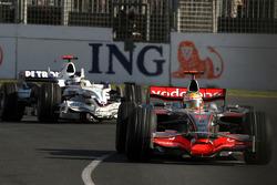 Lewis Hamilton, McLaren Mercedes; Nick Heidfeld, BMW Sauber F1 Team