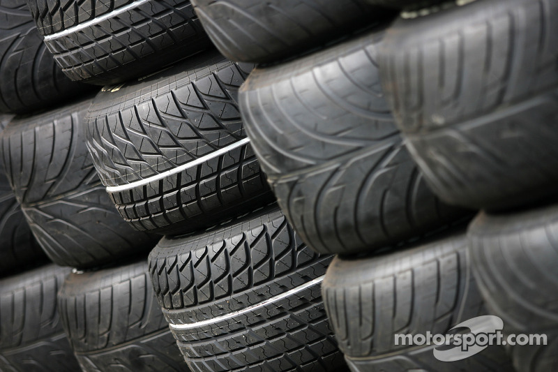 Wet tyres Bridgestone