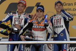 Podium: Sieger Dani Pedrosa mit Valentino Rossi und Jorge Lorenzo
