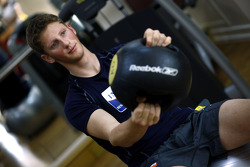 Renault F1 drivers training in Bahrain: Romain Grosjean, Renault R28 in the gym