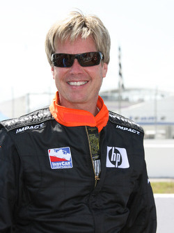 Davey Hamilton ready to give rides to guest in the IndyCar two seater