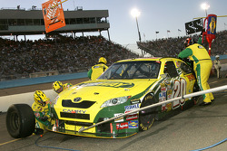 Pit stop for Tony Stewart