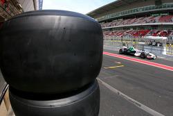 Bridgestone slick tyres