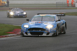 #33 Jetalliance Racing Aston Martin DBR9: Karl Wendlinger, Ryan Sharp and #15 JMB Racing Maserati MC12: Ben Aucott, Peter Kutemann