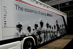 BMW Sauber F1 Team, truck