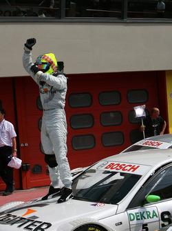 Jamie Green fête sa victoire