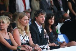 Jodie Kidd ve Eddie Irvine Amber Moda Gösterisi which benefits  Elton John Aids Foundation