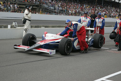 Darren Mannings crew pushes the car after the race