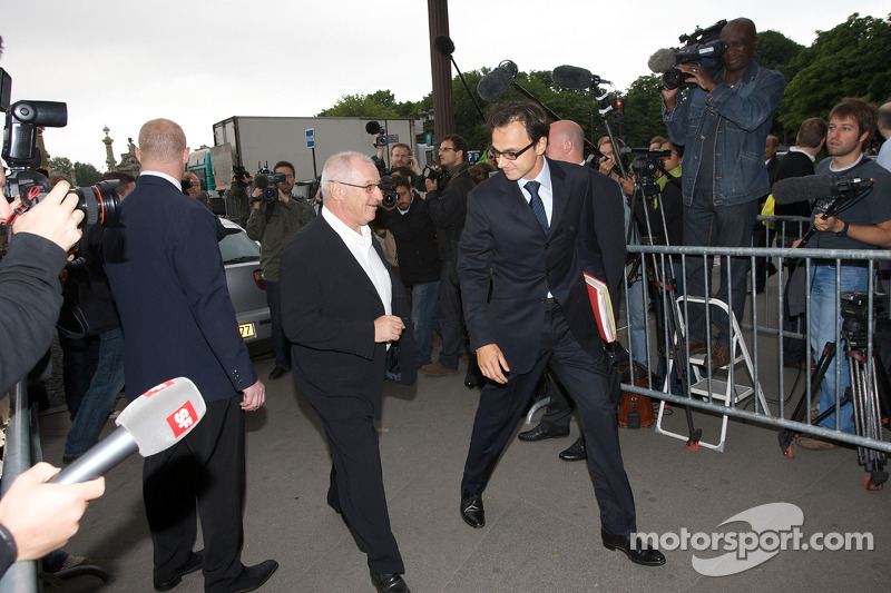 FIA deleguates enter the FIA Place de la Concorde headquarters: Nicolas Deschaux