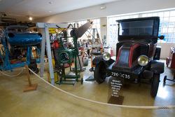 Vintage garage display