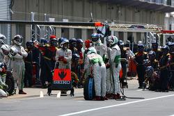 Honda Racing F1 Team mechanics wait Force India F1 Team pitstop