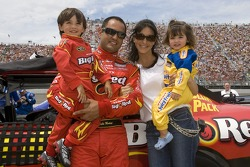 Juan Pablo Montoya enjoys a moment with his family