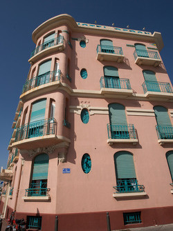 Visit of Marseille: a typical building