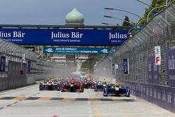 Inicio: Sébastien Buemi, Renault e.Dams lider