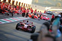 Ferrari F1 Clienti nella pitlane