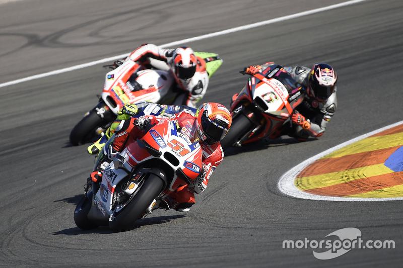 Мікеле Пірро, Ducati Team та Штефан Брадль, Aprilia Racing Team Gresini та Данило Петруччі, Pramac R
