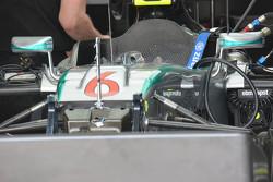 Фрагмент носового обтекателя Mercedes AMG F1 W06: S-образный воздуховод