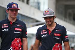 Max Verstappen, Scuderia Toro Rosso con su compsñero de equipo Carlos Sainz Jr., Scuderia Toro Rosso