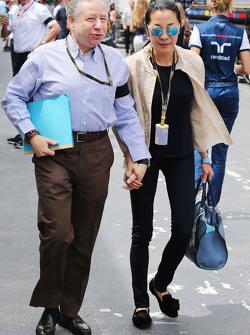 (L to R): Жан Тодт, Президент FIA з his wife Michelle Yeoh