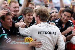 Ganador de la carrera Nico Rosberg, Mercedes AMG F1 Team