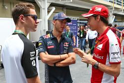 Stoffel Vandoorne, McLaren test- en reserverijder en Pierre Gasly, Red Bull Racing testrijder en Est