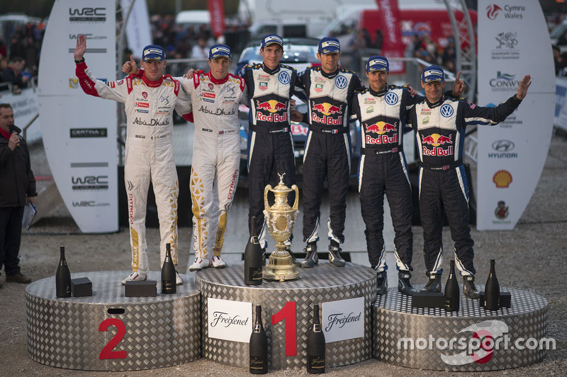 Podium: winners Sébastien Ogier and Julien Ingrassia, Volkswagen Motorsport, second place Kris Meeke and Paul Nagle, Citroën World Rally Team, third place Andreas Mikkelsen and Ola Floene, Volkswagen Motorsport
