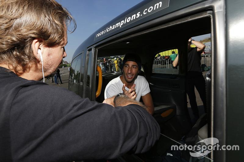 Daniel Ricciardo und ROC-Gründer Fredrik Johnsson