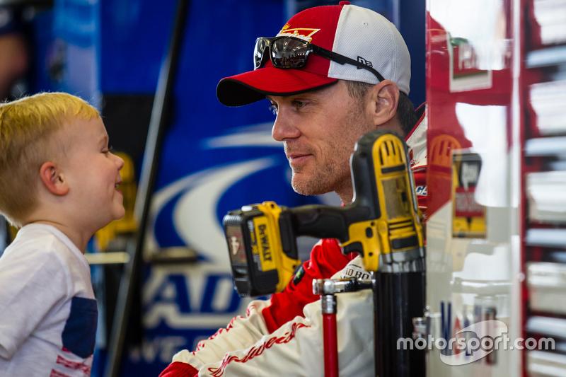 Kevin Harvick, Stewart-Haas Racing Chevrolet mit Sohn Keelan