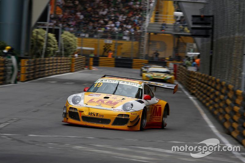 Earl Bamber, LKM Racing, Porsche 997 GT3R