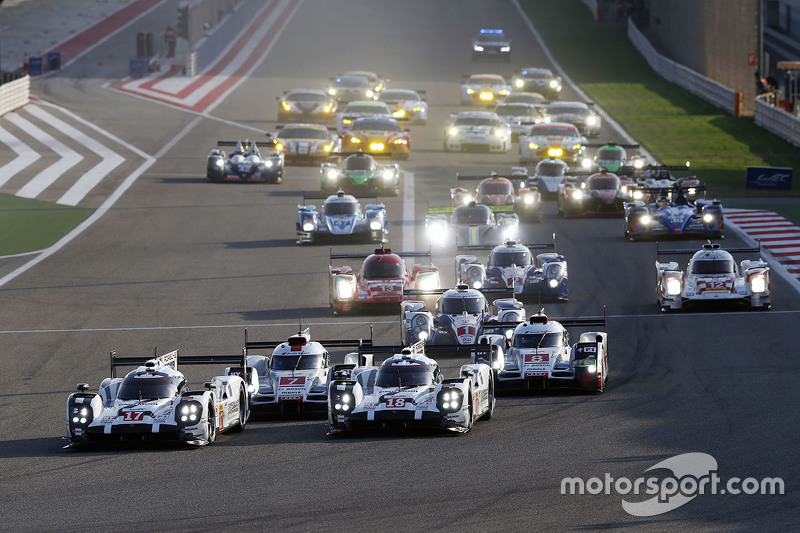 Start: #17 Porsche Team, Porsche 919 Hybrid: Timo Bernhard, Mark Webber, Brendon Hartley; #18 Porsche Team, Porsche 919 Hybrid: Romain Dumas, Neel Jani, Marc Lieb, in Führung