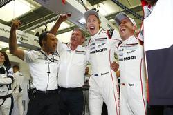 WEC-Weltmeister 2015: Brendon Hartley, Timo Bernhard, Porsche Team