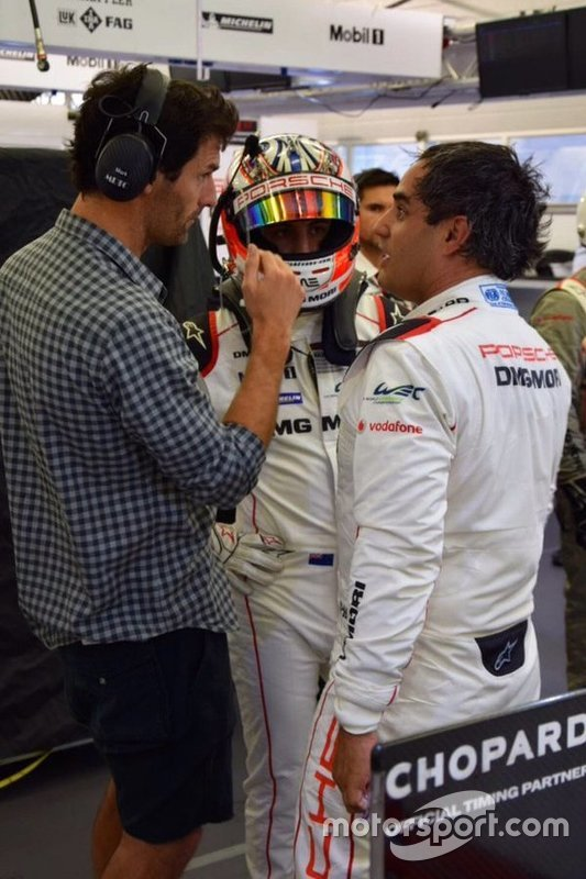 Juan Pablo Montoya with Mark Webber, Porsche Team and Mitch Evans