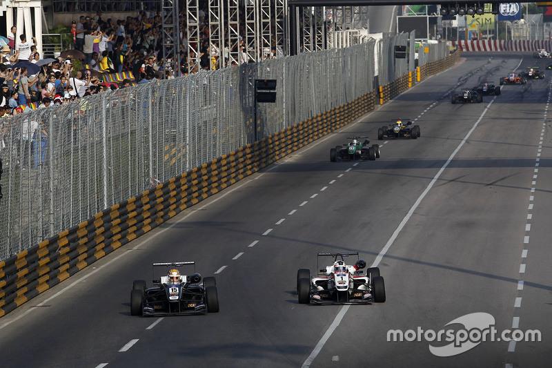 Charles Leclerc, Van Amersfoort Racing, Dallara Volkswagen; Felix Rosenqvist, Prema Powerteam, Dalla
