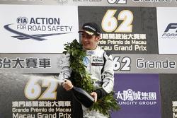 Подиум: Шарль Леклер, Van Amersfoort Racing, второе место