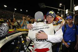 Jeff Gordon, Hendrick Motorsports Chevrolet, mit Teambesitzer Rick Hendrick