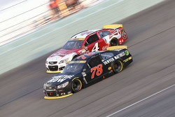 Kevin Harvick, Stewart-Haas Racing Chevrolet; Martin Truex Jr., Furniture Row Racing Chevrolet