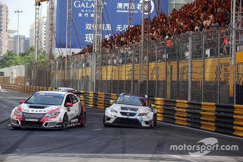 Gianni Morbidelli, Honda Civic TCR, West Coast Racing; Jordi Oriola, SEAT Leon, Target Competition