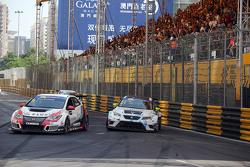 Gianni Morbidelli, Honda Civic TCR, West Coast Racing and Jordi Oriola, SEAT Leon, Target Competition
