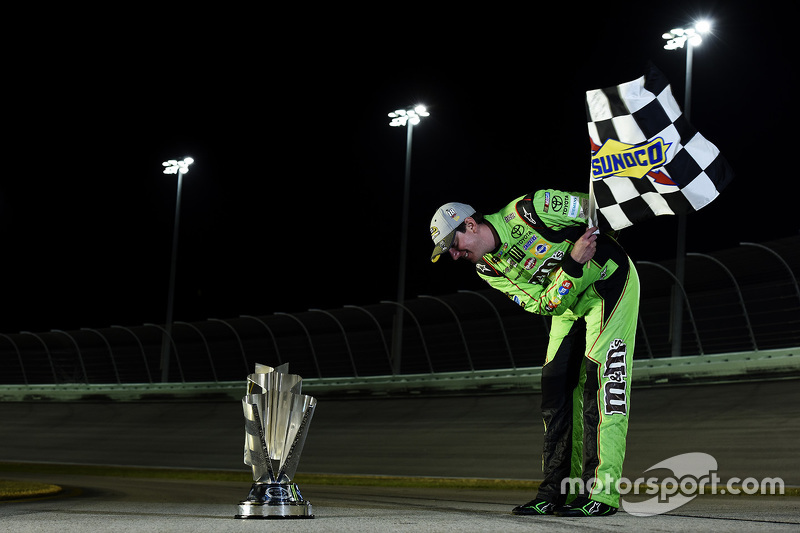 NASCAR Sprint Cup Series campeón Kyle Busch