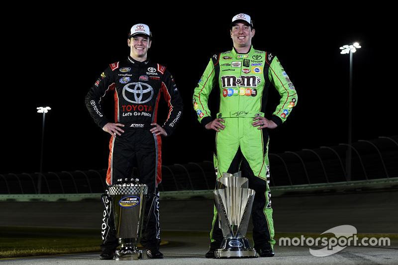 NASCAR Sprint Cup Чемпіон серії Кайл Буш та NASCAR Truck Чемпіон серії Ерік Джонс