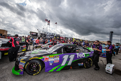 машина для Денні Хемлін, Joe Gibbs Racing Toyota в technical inspection line