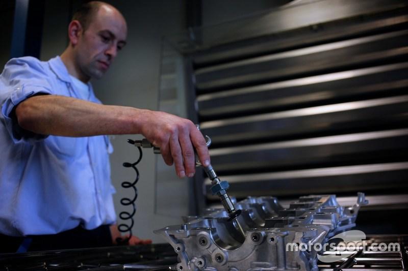 Mecachrome engine quality control