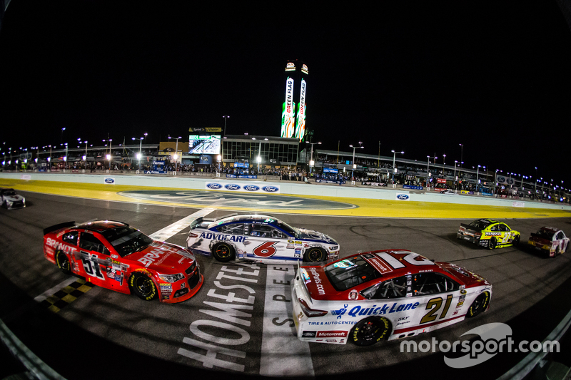 Ryan Blaney, Woods Brothers Racing Ford, Trevor Bayne, Roush Fenway Racing Ford, Justin Allgaier, HScott Motorsports Chevrolet